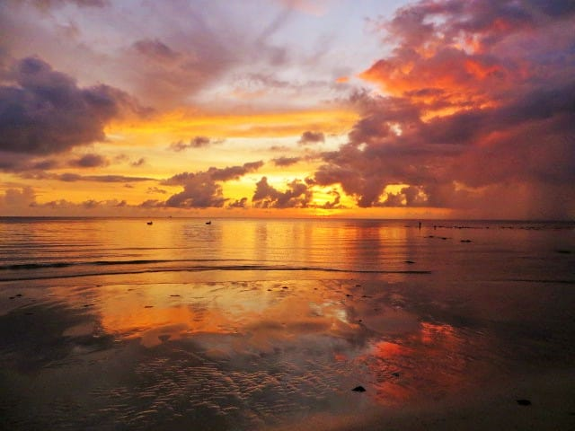 Am Strand in Kudat, Borneo