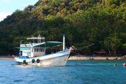 Kleines Fischerboot auf dem Meer