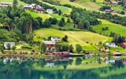 Kleines Dorf in Norwegen