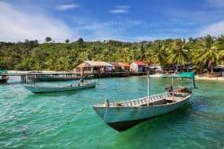Kleine Fischerboote auf dem Meer