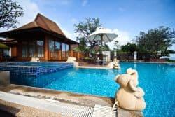 Relaxen am Pool auf Koh Samui