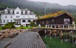 Kleines Fischerdorf in Norwegen