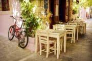 Kleines Straßencafé in der Altstadt