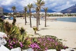 Schöner Strand nahe Marbella