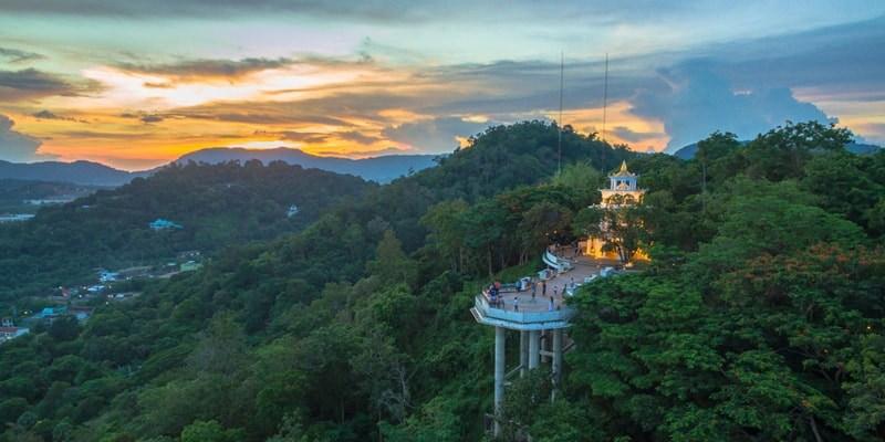 Die Hügel von Phuket