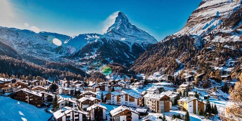 Das Matterhorn und der Ort Zermatt